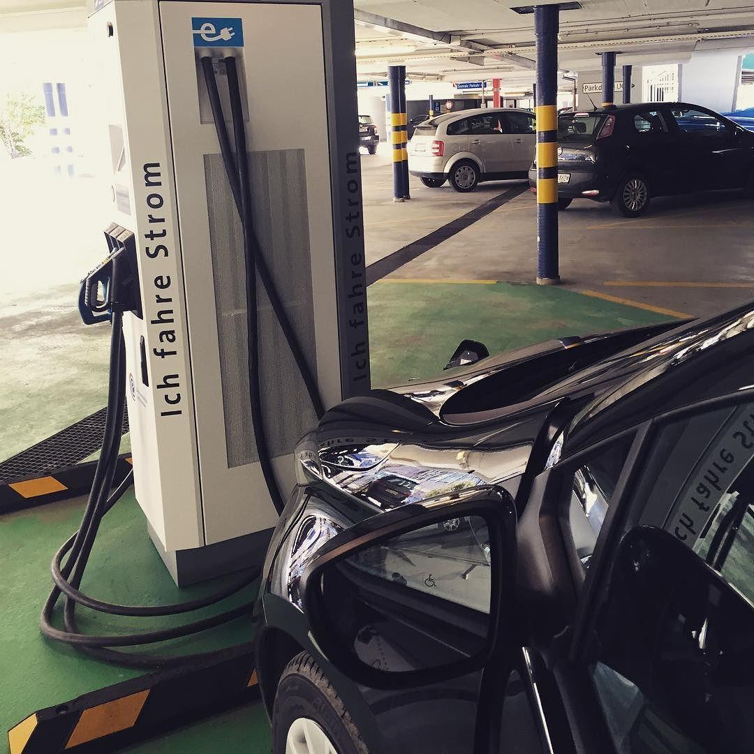 Free power - thank you Vaduz/Liechtenstein  #elektromobilität #ev #electricvehicle #renaultzoe #renaultze #zeroemission #liechtenstein #vaduz #öko by better.e