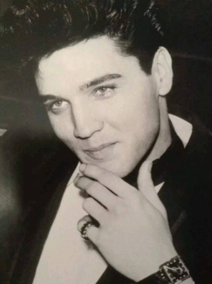 an analysis of elvis presleys popularity essay It's been 40 years since elvis presley last swivelled his hips, before his untimely death in 1977 at the age of 42 from humble origins in tupelo, mississippi, in the space of just a few years.