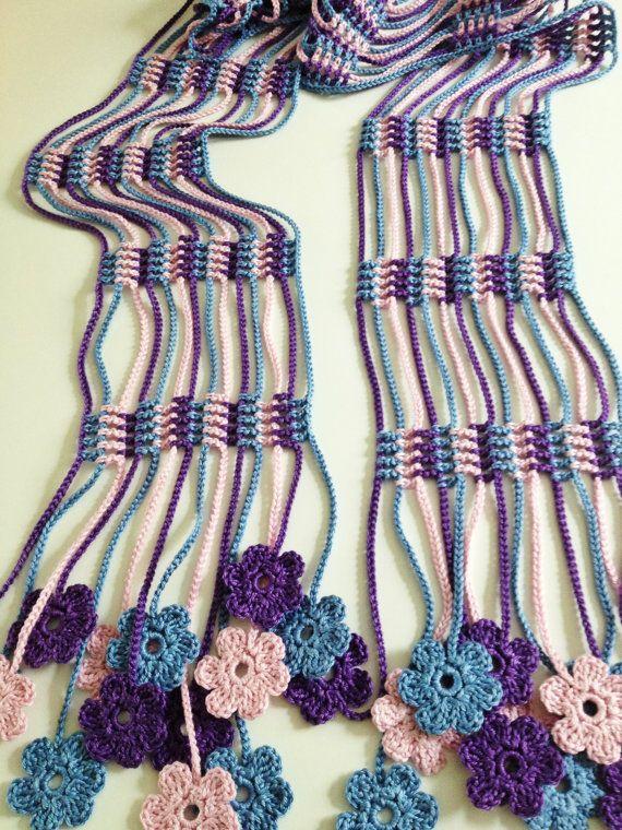 Lilac flowery crochet echarpe | Bufandas | Pinterest | Flores lilas ...