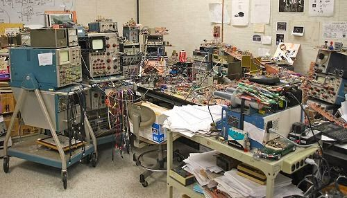 Vic's Tech Blog: Workbenches For Electronics | Electricity