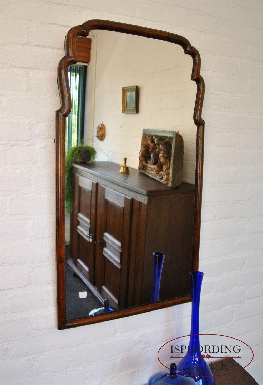 Soester Spiegel Met Notenhouten Lijst Dinner Room