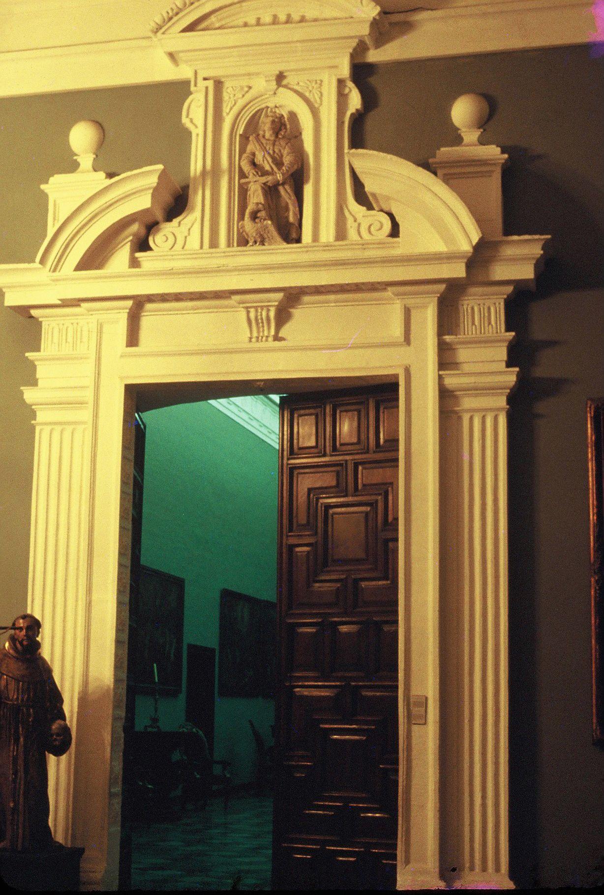 La Catedral Portada De La Sacristía Universidad Católica Sedes Sapientiae Home Decor Decor Home