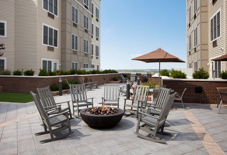 Photos And Video Of The Monarch In East Rutherford Nj Apartment Complexes Luxury Apartments Outdoor Decor