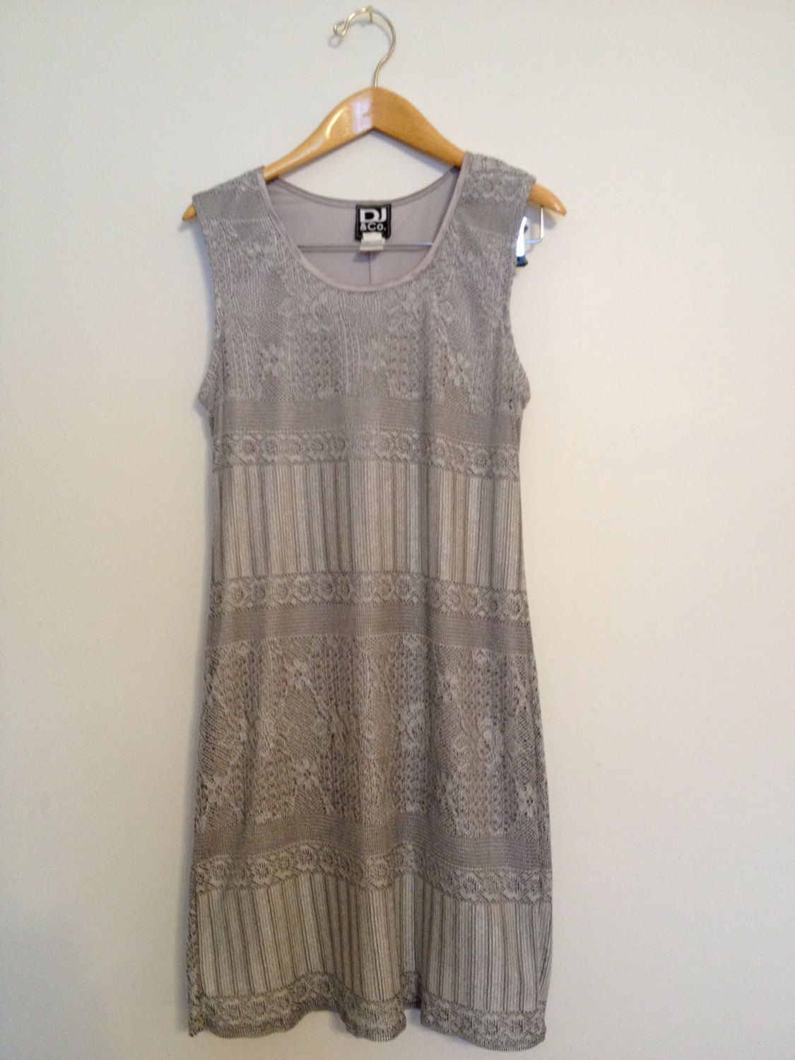 Grey Sleeveless Patterned Dress.