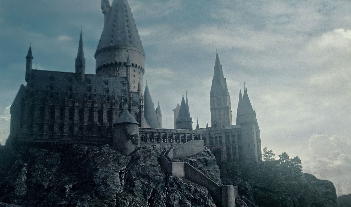 A Real Life Wizarding School Is Coming To A Castle In England And You Can Attend Desktop Wallpaper Harry Potter Harry Potter Wallpaper Hogwarts