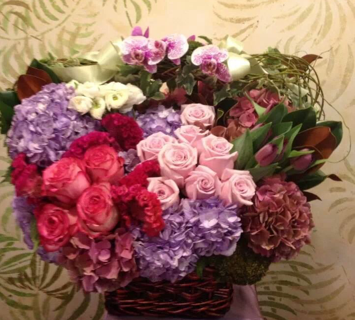 French Basket By Apropos Floral Event Design Basket Flower Arrangements Flower Arrangements Fresh Flower Delivery