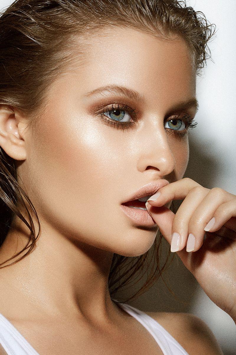 Bronze summer glow makeup Lexi wood, Makeup, La models