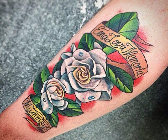 gardenia tattoo flower tattoos pinterest gardenia tattoo tattoo and neo traditional. Black Bedroom Furniture Sets. Home Design Ideas