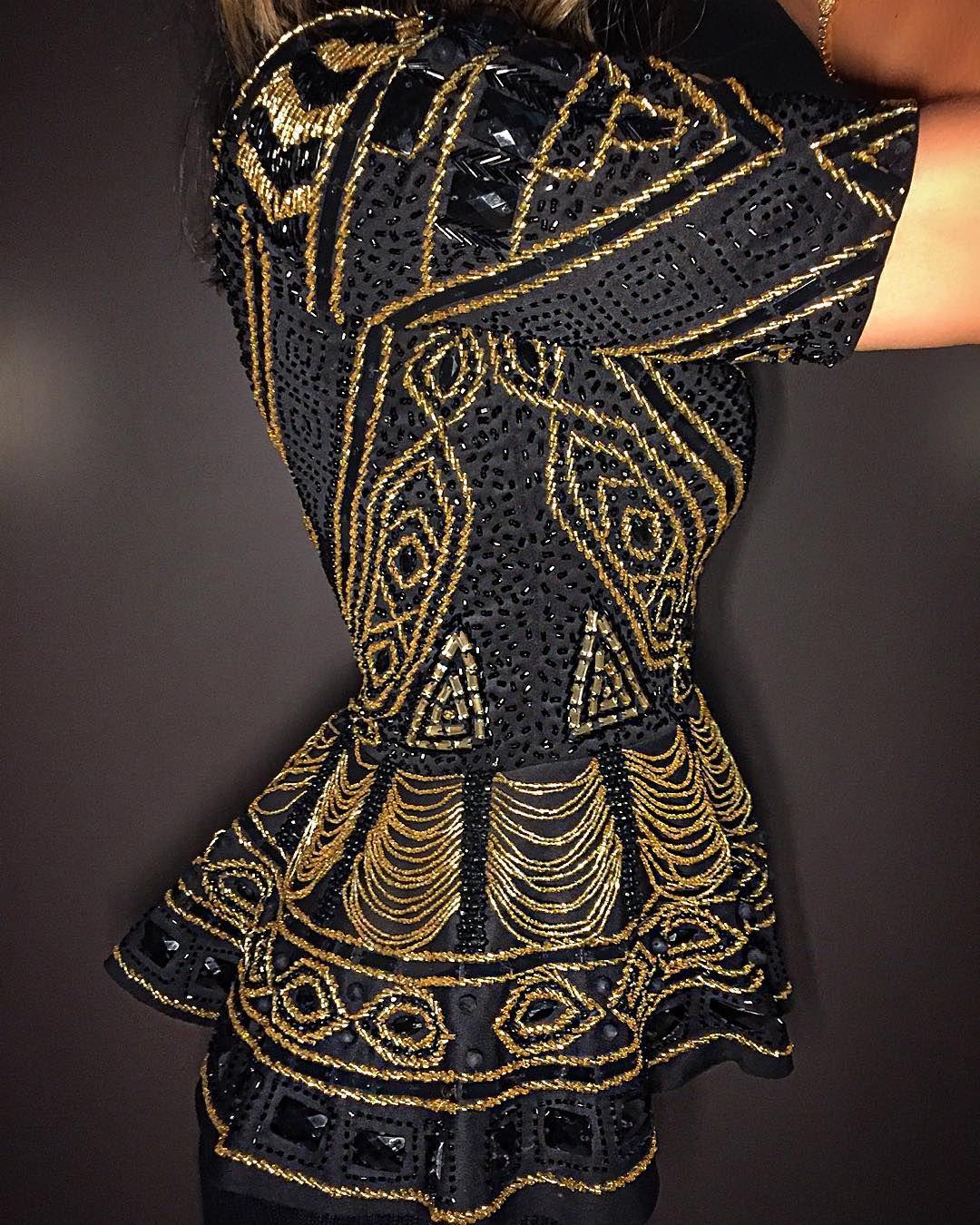 """""""Detalhes da nossa diva Peplum Horus, uma jóia com inspiração egípcia, toda bordada a mão! ✨ Atendimento via wpp: +55 (34) 9905-3628"""""""