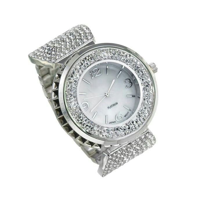 Shop www.tracilynnjewelry.net/rpittman. I Love this Watch!