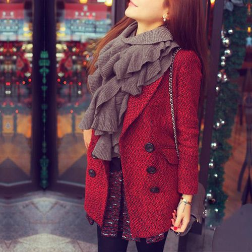 You are elegant and attractive in this coat. It features solid color style,long sleeve and double-breasted design. Warm and comfortable fabric and lining,comfortable to wear. It will accompany you spend a warm and wonderful winter. Easy to match.
