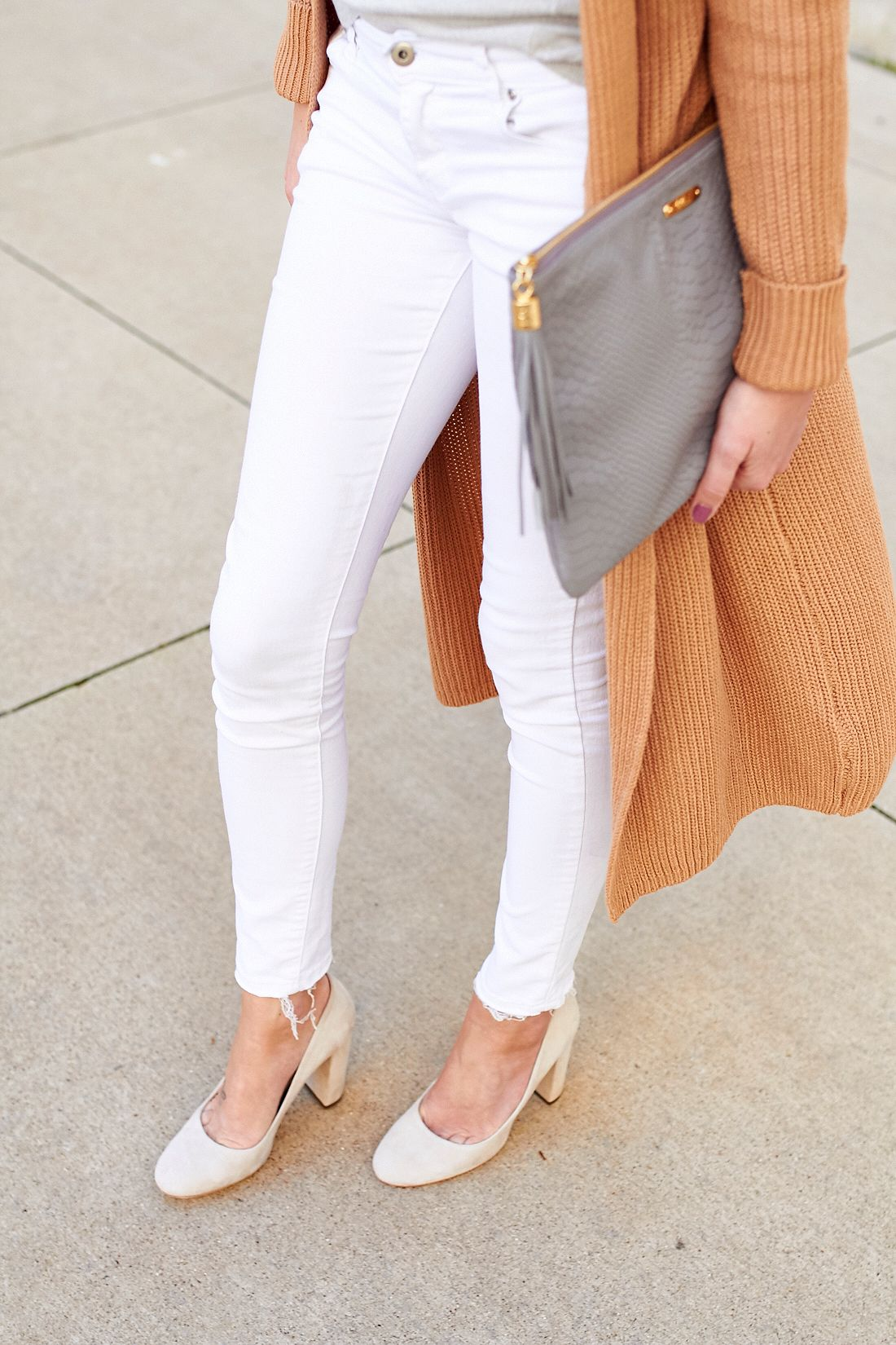 fashion-jackson-white-skinny-jeans-mgemi-torre-pumps