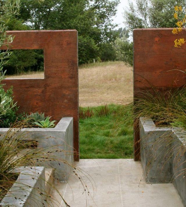 Landschaftsbau Garten Gestaltung Ideen hoher Metallzaun ...