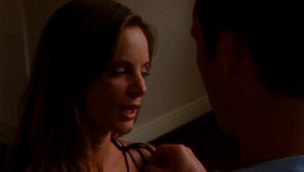 "Burn Notice 3x11 ""Friendly Fire"" - Michael Westen (Jeffrey Donovan) & Fiona Glenanne (Gabrielle Anwar)"