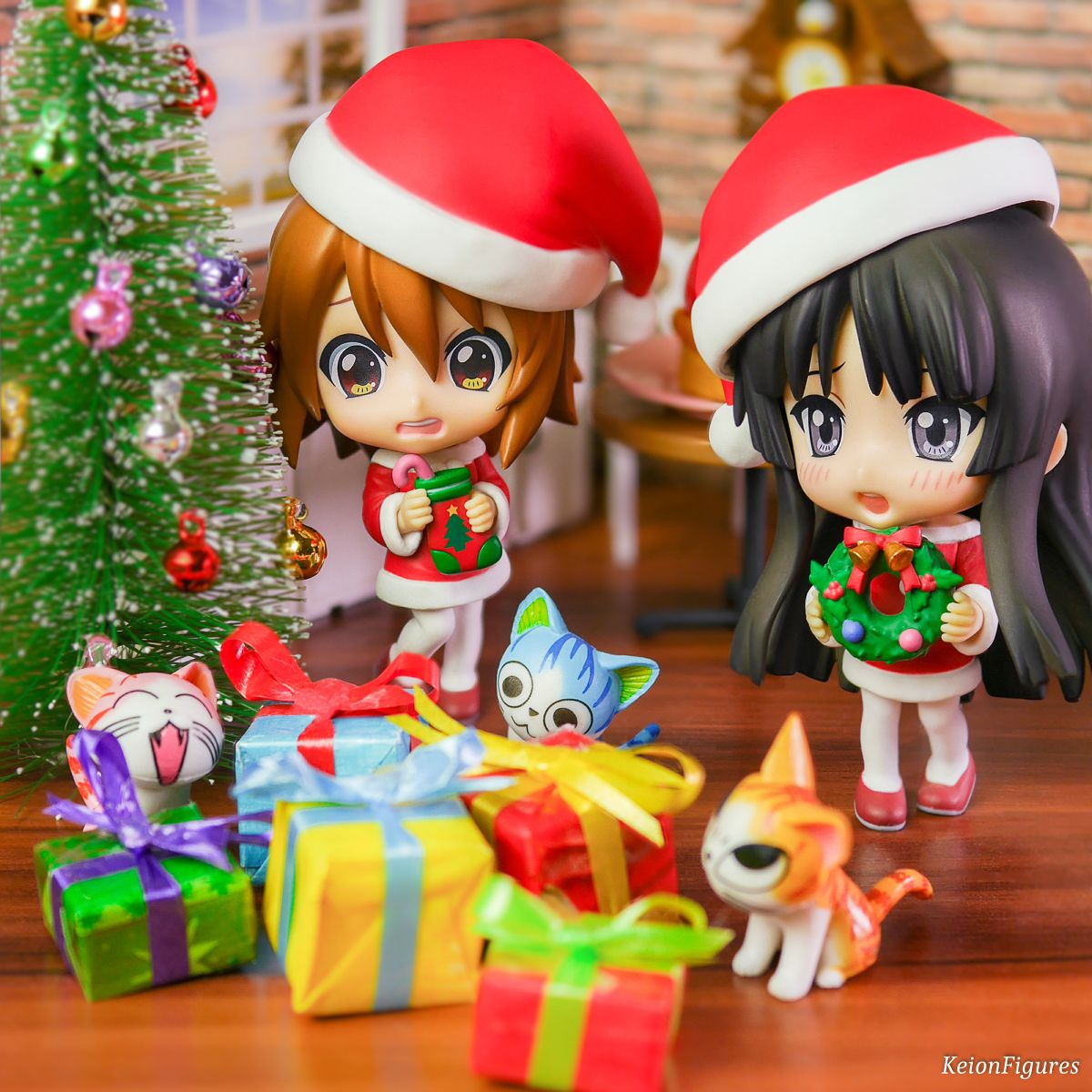 Christmas time is comming! Ritsu: Mio: