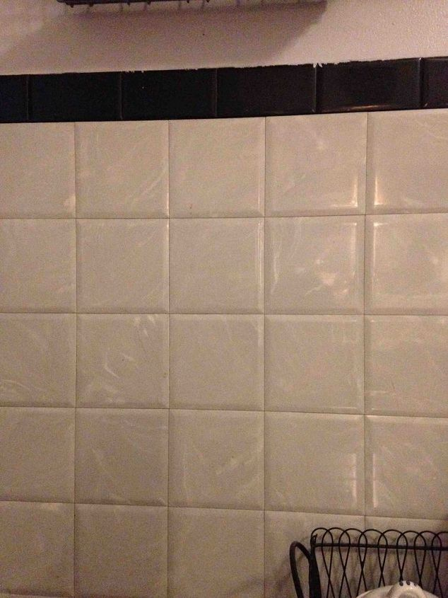 Removing Plastic Square Tile In My Bathroom And Kitchen Plastic Tile Painting Bathroom Tiles