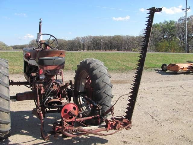 International Fast Hitch 7' Sickle Mower | Old Tractors
