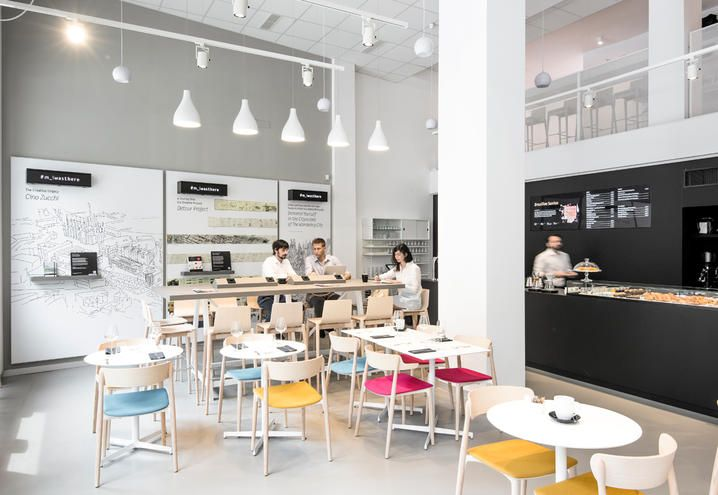 Lavoro Design Interni Milano.Moleskine Cafe Apre A Milano Il Primo Caffe Letterario Rivisitato In Chiave Contemporanea Moleskine Design Del Prodotto Design Caffetteria