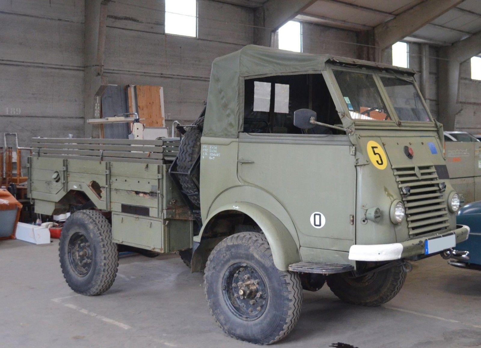 Renault Goelette De 1963 D Origine Militaire Pour Des Transports De Vehicules Militaires Militaire Goelette