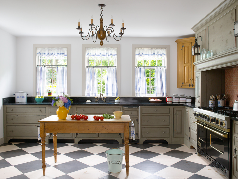 A New Colonial Kitchen