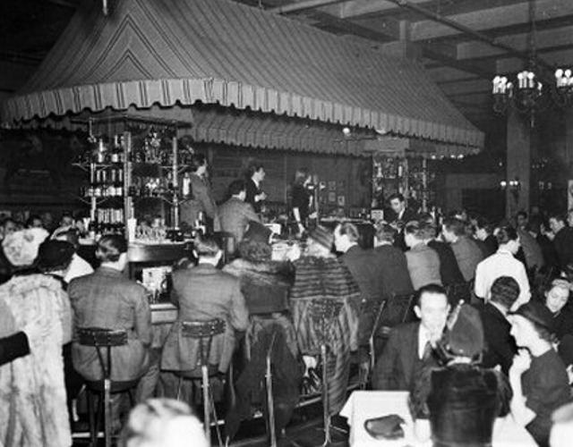Hickory House Bar 7th Ave At 53nd Street 1937 New York City Bars New York City Vintage Photos