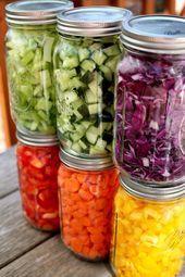 Salatbar im Glas Bereite dir dein Essen am Wochenende vor Dann greifst du unter der Woche bei Heißhunger nicht auf Süßigkeiten zurück Ohne Zusatzsto...