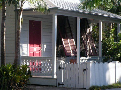 Conch Cottages Were The Cottages Of Cigar Makers On The Island This Is One Of My Favorite Houses Photo A Oliveri Cabins And Cottages Cottage Style Cottage