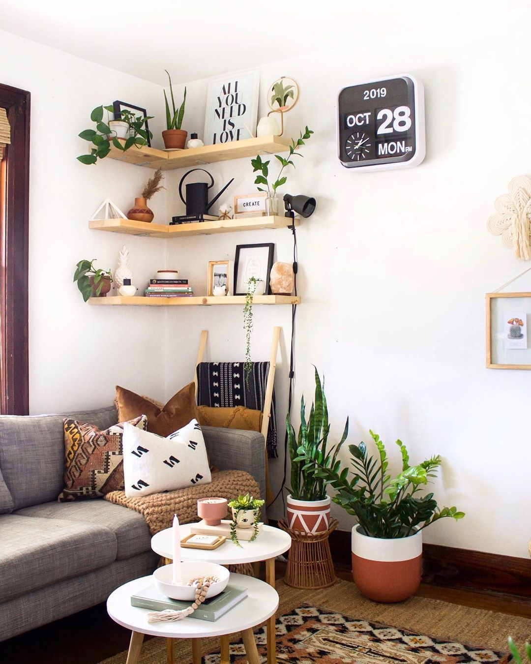 17 Tips Tricks For Small Space Living Extra Space Storage In 2020 Small Living Room Decor Living Room Design Small Spaces Decorating Small Spaces #small #living #room #storage