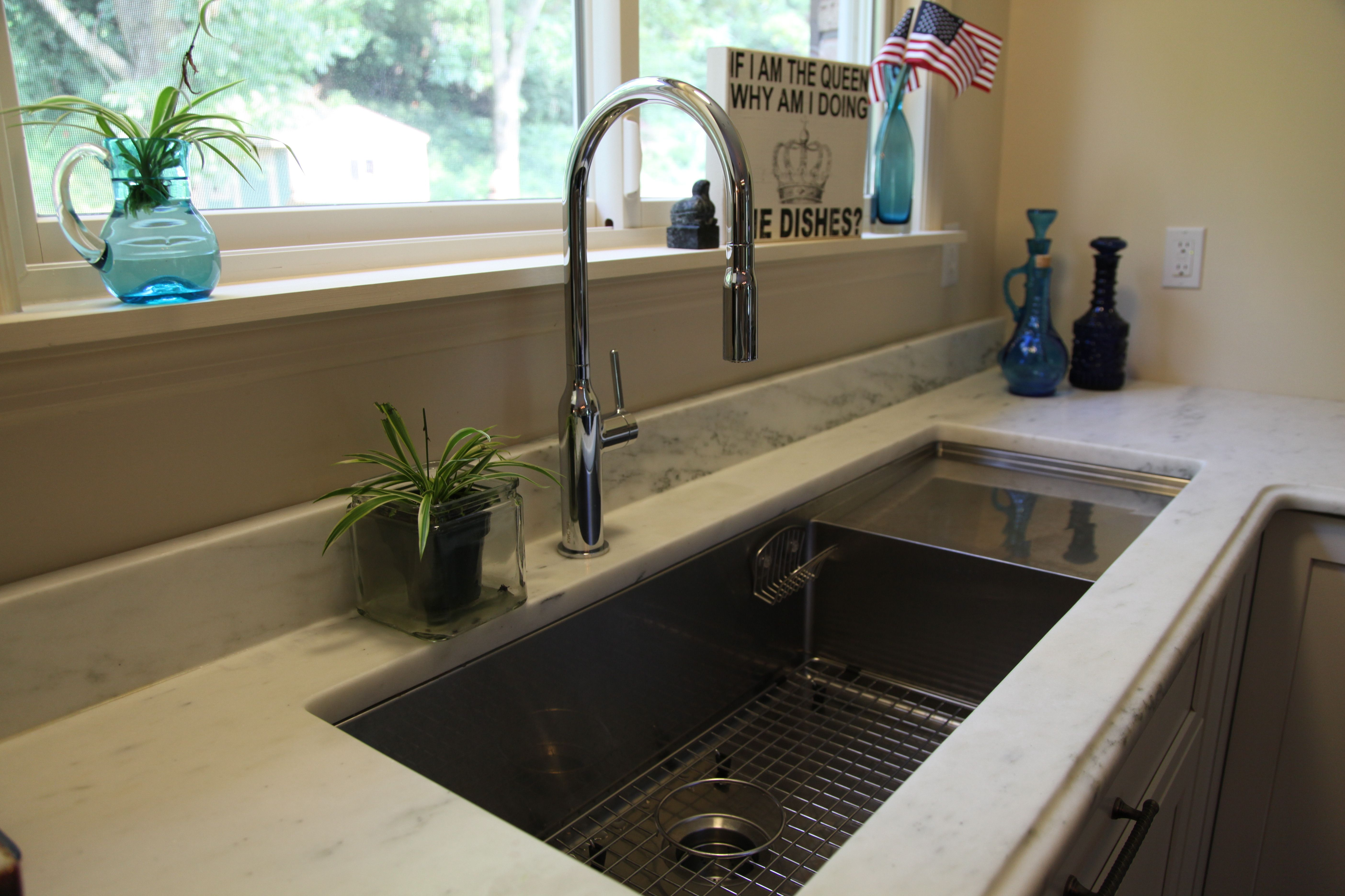 Superior Blanco Sink KWC Faucet