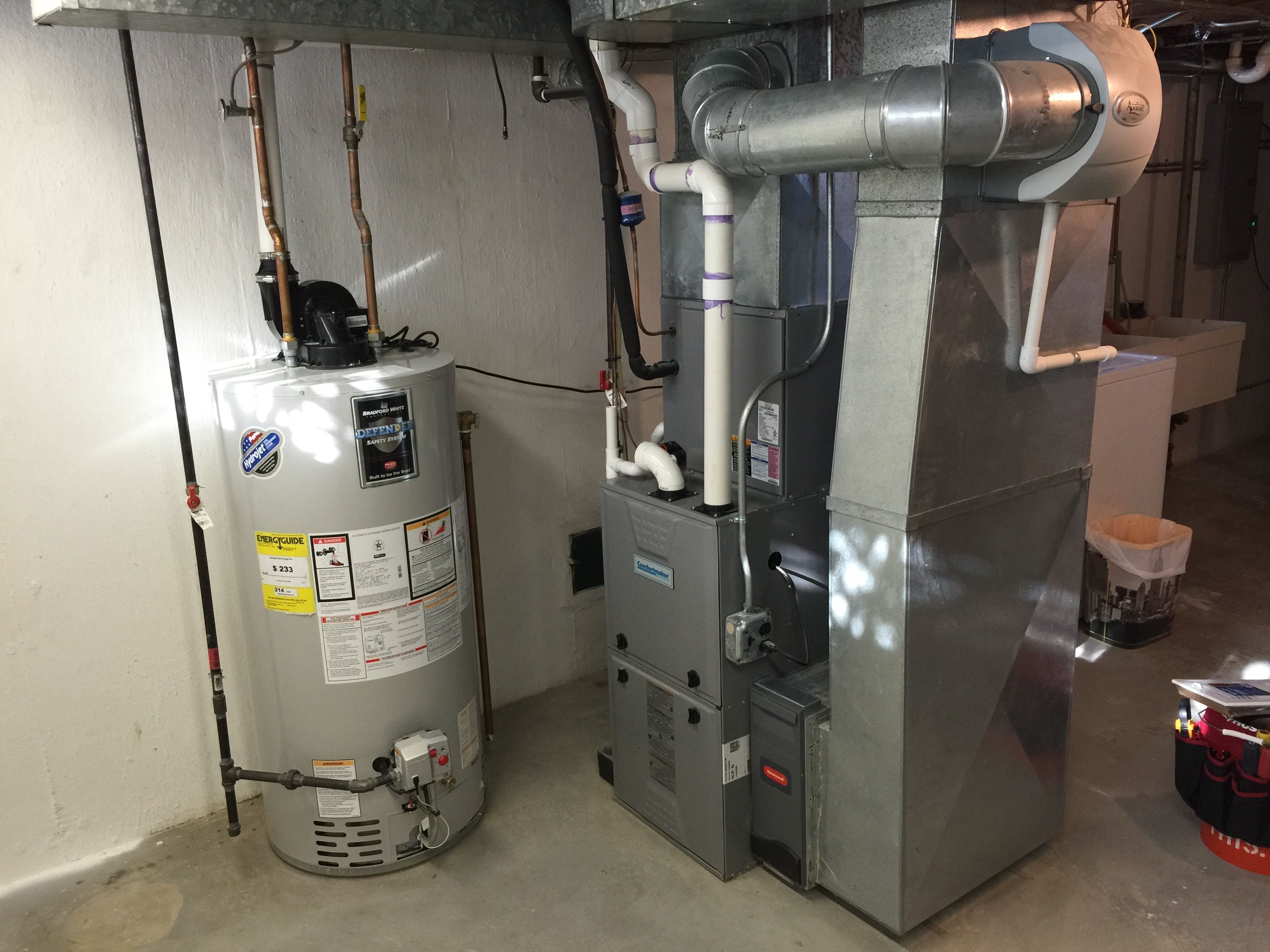 Complete heating and air conditioning system as well as a