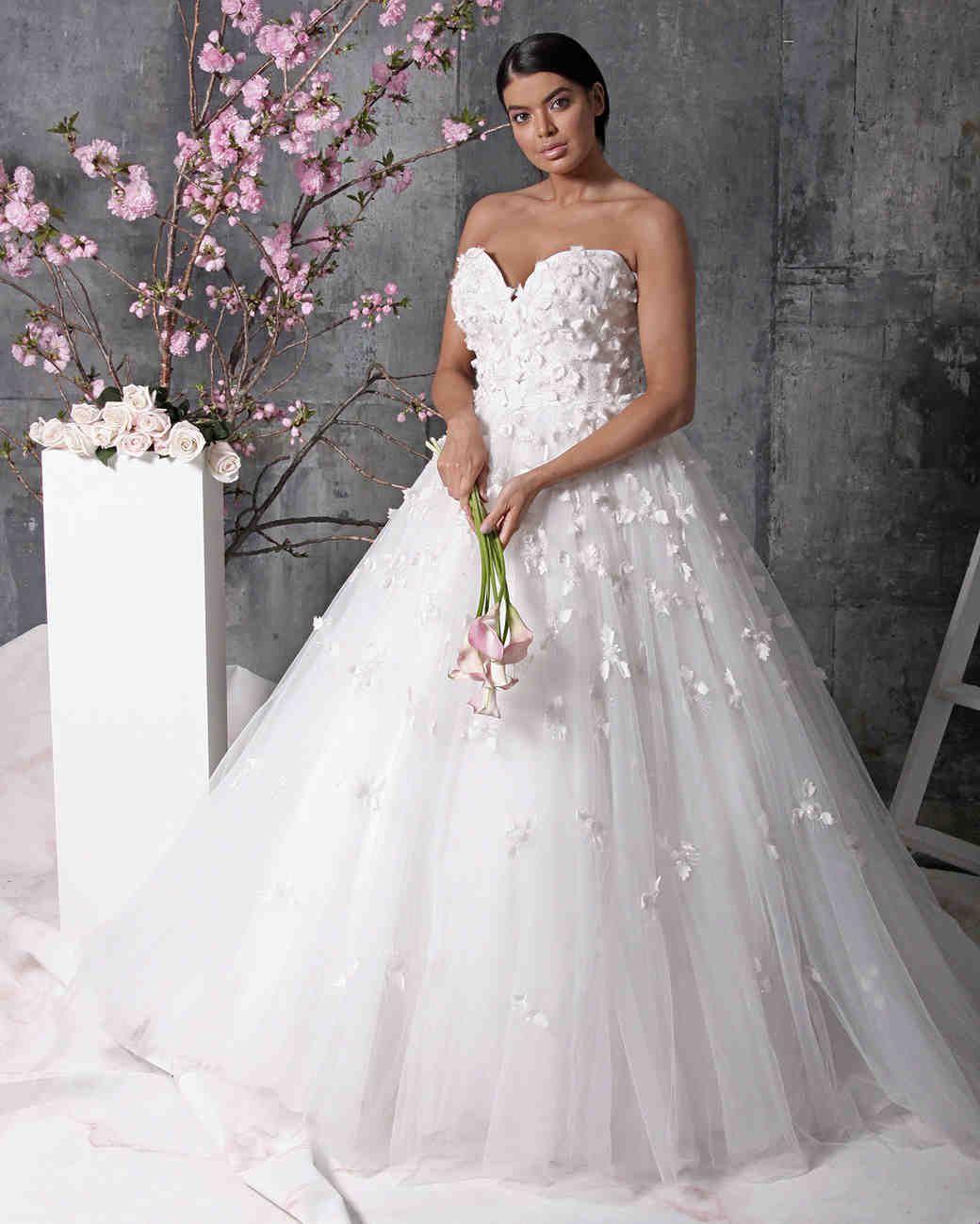 Christian Siriano Spring 2018 Wedding Dress Collection Christian Siriano Wedding Dresses Bridal Style Designer Wedding Dresses [ 1299 x 1040 Pixel ]