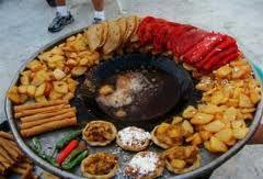 Esto es la tradicional garnacha mexicana.  Deliciosas!!!!!!