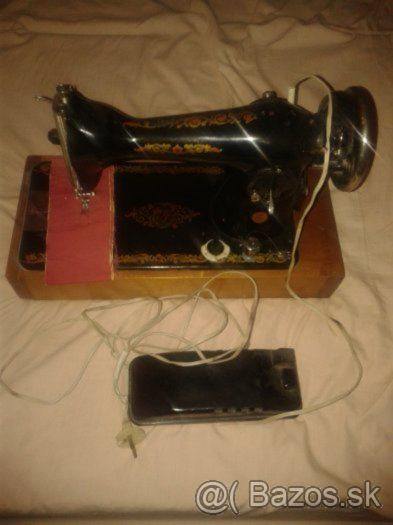šijací stroj plne funkčný (starožitnosť) - 1