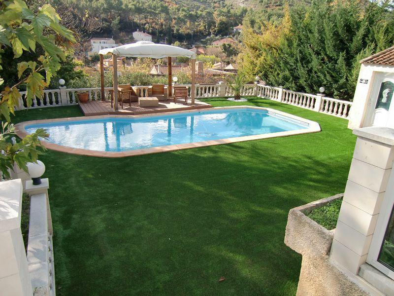 Du gazon synthétique tout autour du0027une piscine #piscine - amenagement autour piscine hors sol