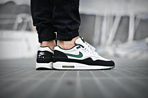 Air Max 1 Forest Green | Nike Air Max's, Roshe, Kaishi