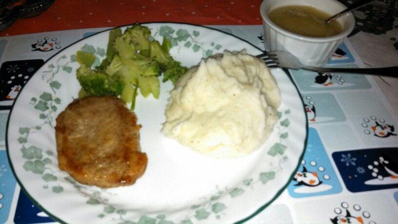 Ginger & Clove pork chops w/ mashed potatoes & Broccoli