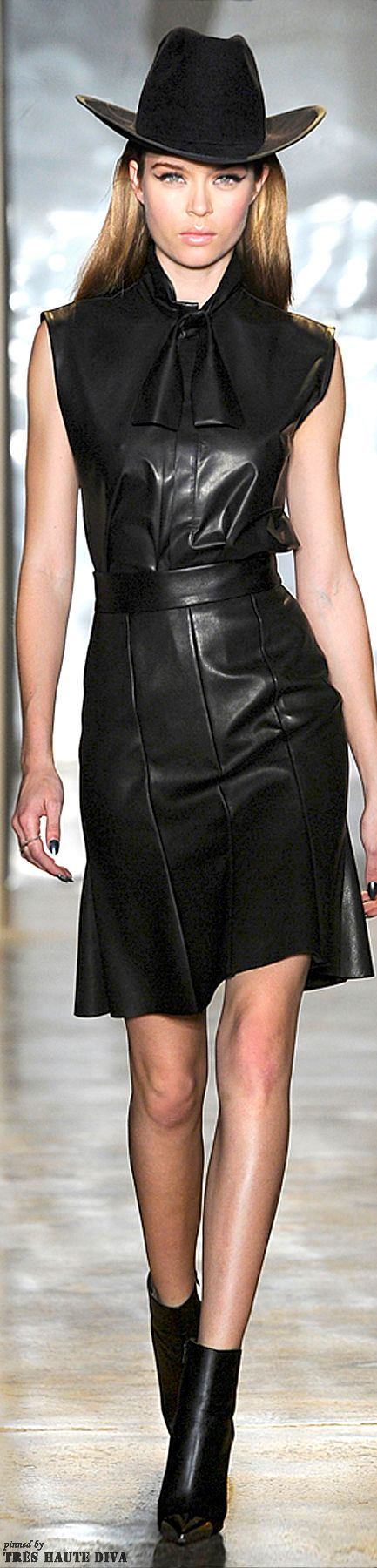cushnie et ochs fall 2014 rtw new york fashion week. Black Bedroom Furniture Sets. Home Design Ideas