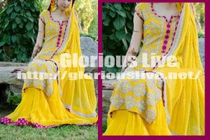 Mehndi Clothes For Brides : Beautiful pale yellow with pink jamawar border in pure chiffon.every