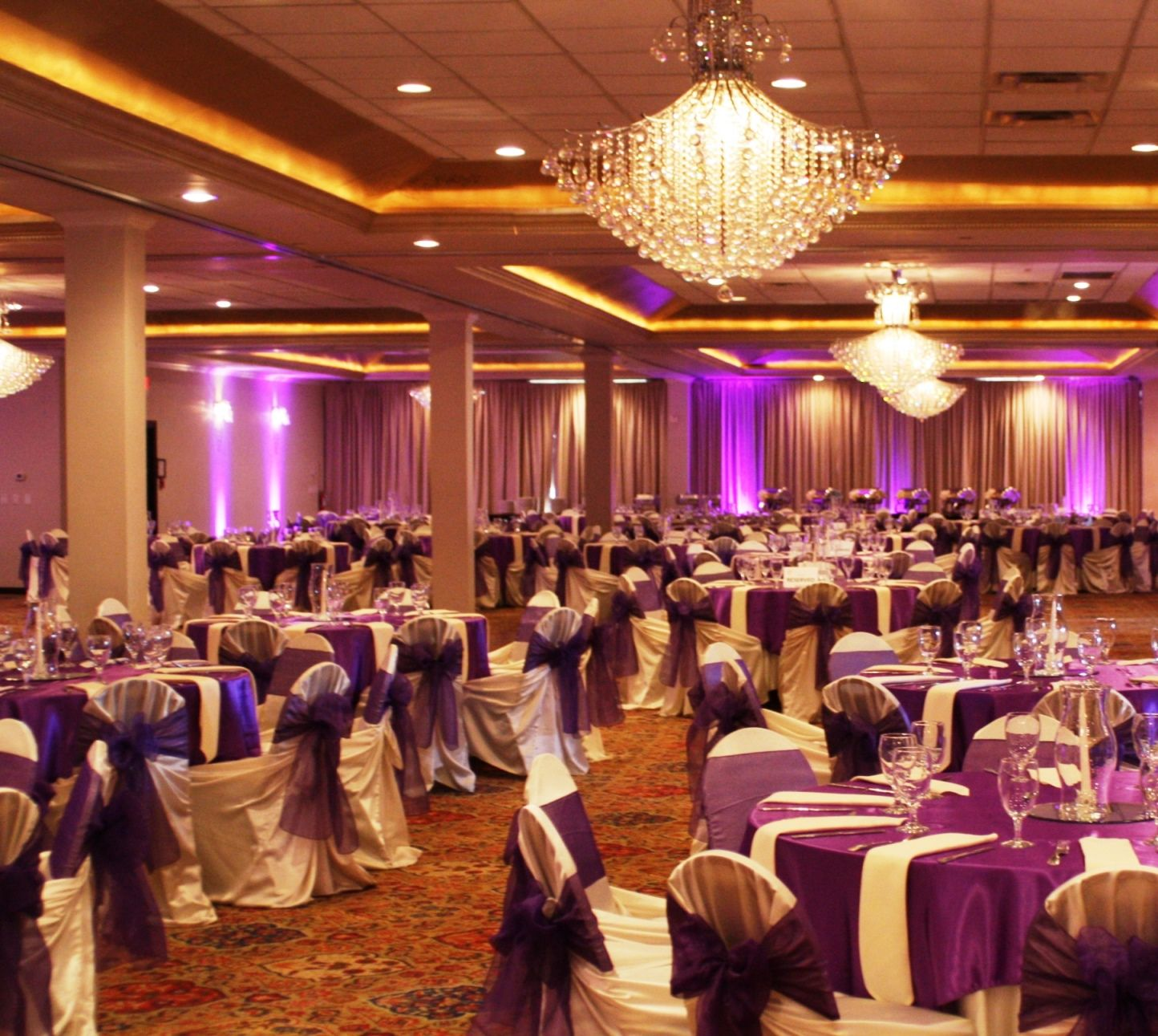 Pelazzio Full Service Wedding Venue Has Ambiance Lighting