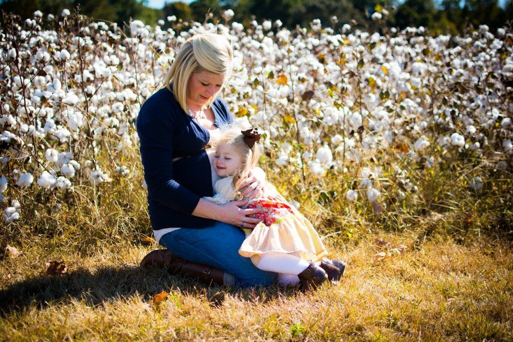 Family Cotton photo shoot. Fall family photo shoot in