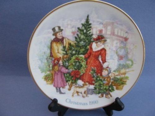 "Christmas Plate 1990 Holiday Scene 8"""