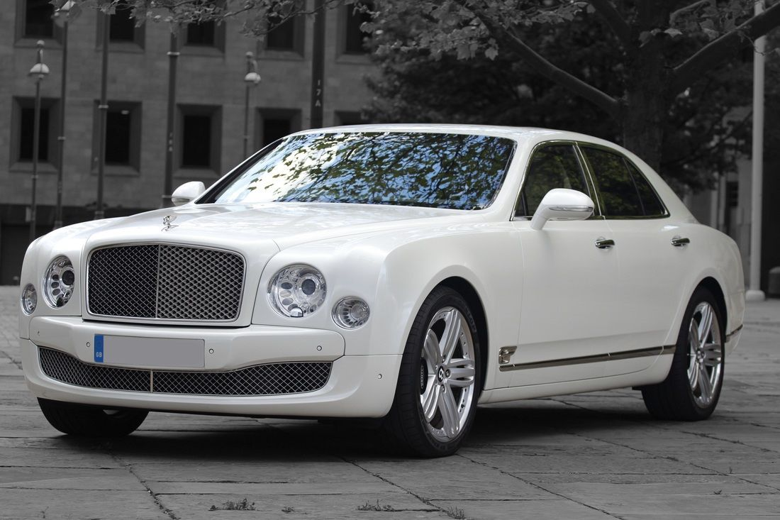 Get Royal Travelling Experience By Limo Hire Middlesbrough In Uk Limousine Wedding Limo Service Limo