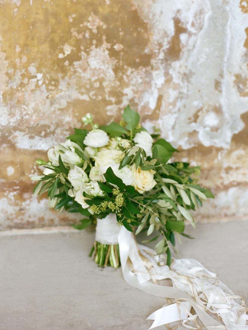 Chrissy Teigen John Legend Lake Como Wedding Lisa Vorce Co Image Gallery Lisa Vorce Chrissy Teigen Wedding Wedding Boquet Italian Wedding