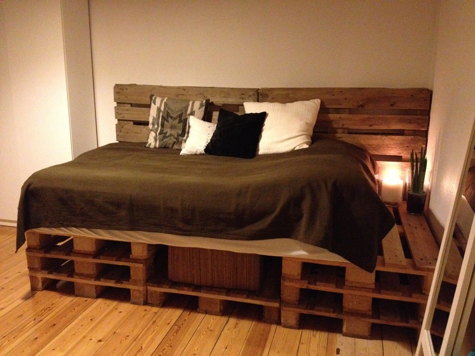 Explore Cool Sofas, Pallet Projects, And More