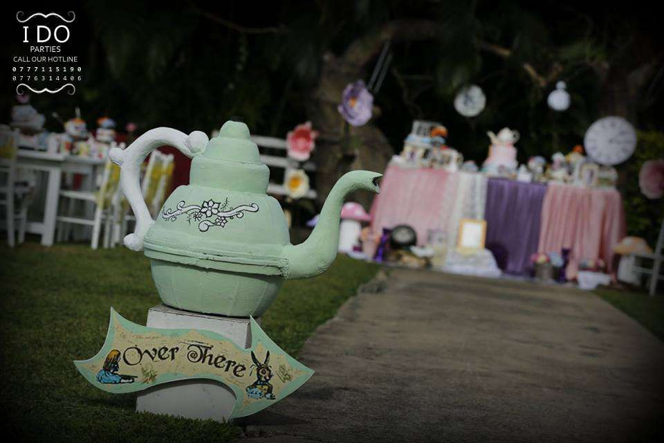 Vintage Alice In Wonderland Birthday Party Ideas | Photo 6 of 67 | Catch My Party