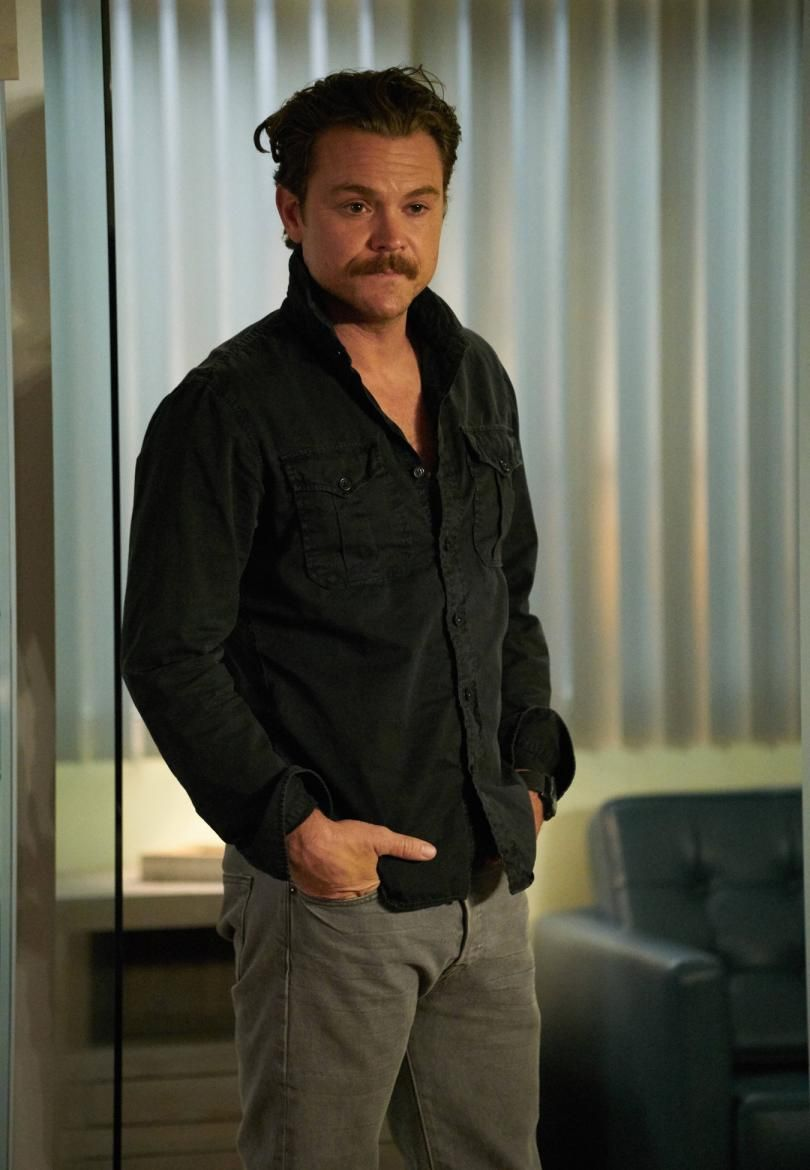 Martin Riggs   Lethal weapon tv show, Lethal weapon, Pretty men