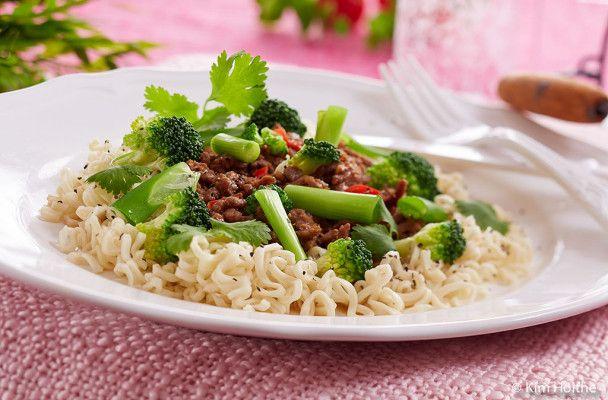 Kinesisk kjøttdeiggryte med nudler   Husmorlykke