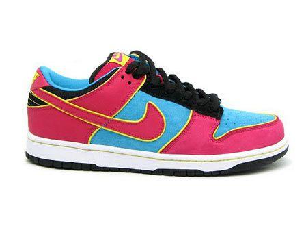 online store 71bf6 505e7 Ms Pacman Low Dunks Premium Sb Nike Pink Blue Black.