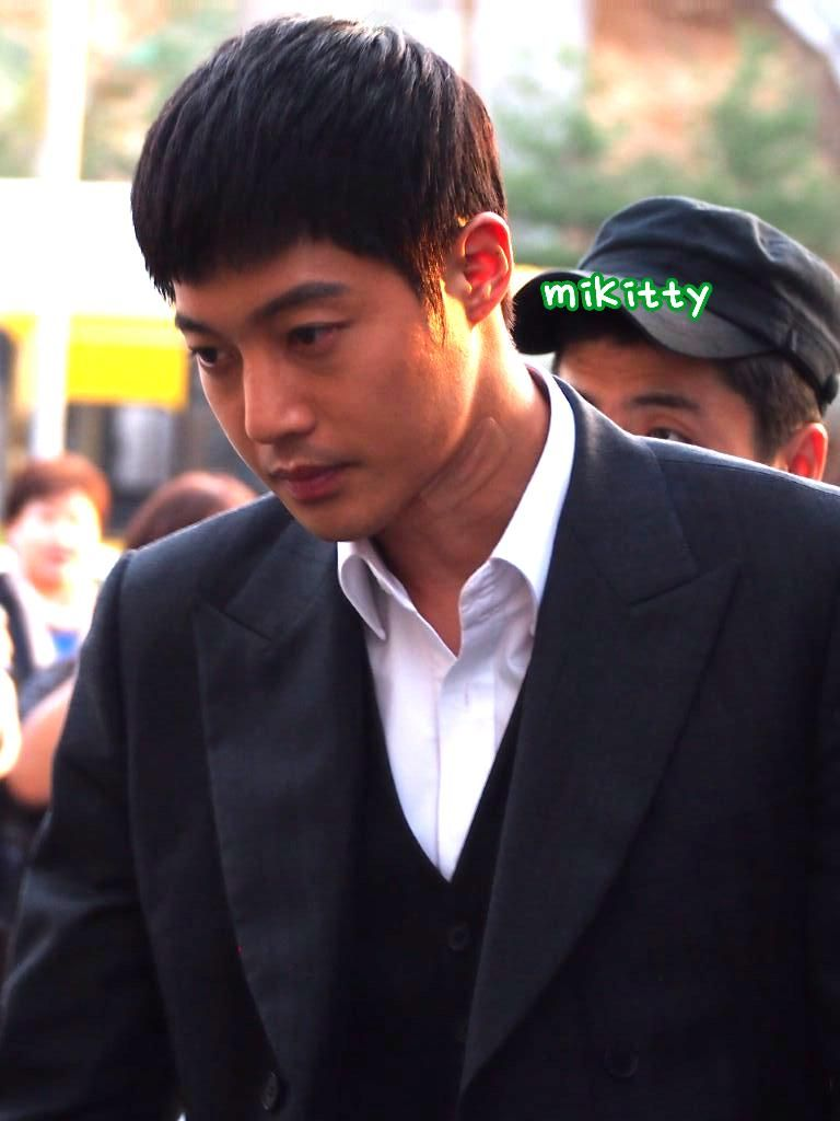Kim Hyun Joong után ma  http: // kpopway.com # Kim Hyun Joong  # HAPPY30thKHJ  # HappyHyunJoongDay