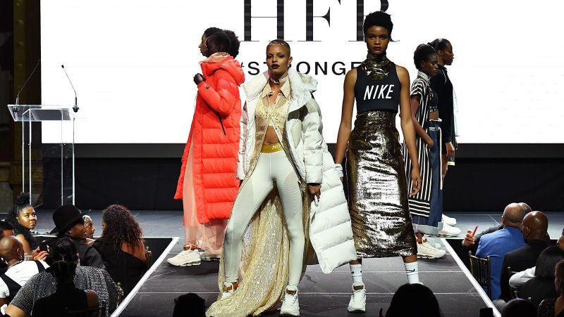 Fashion Meets Sport Inspo New York Fashion Week 2018 New York Fashion Week Cool Street Fashion